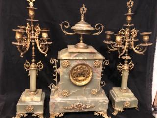 Brocante Antiquités Mobilier Ancien Linge Poupées